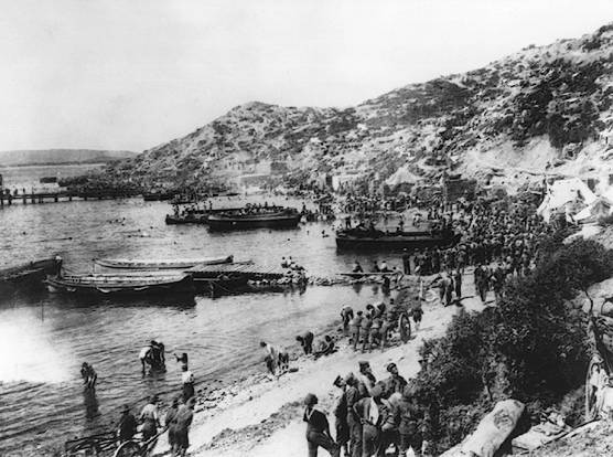Gallipoli Landing at Anzac Cove c Australian War Memorial Canberra1 Gallipoli : Długa biała chmura