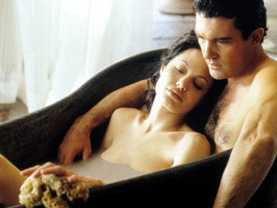 Antonio Banderas and Angelina Jolie in Original Sin