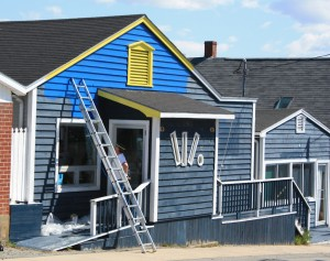 Parrot's Pins bowling alley and restaurant in Lockeport getting a paint job