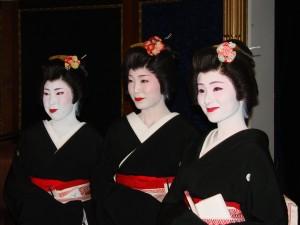 Geishas welcome Ocean Princess to Japan