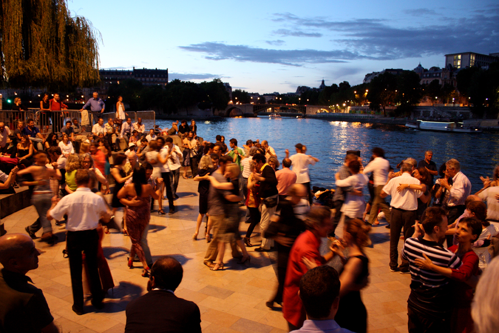 Tango on the River Seine