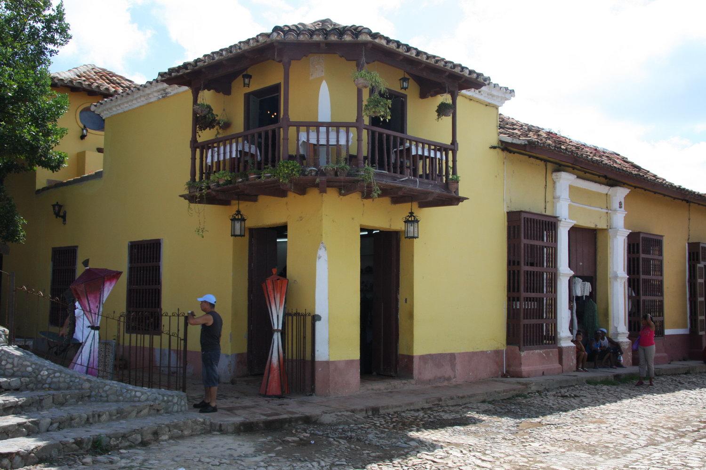 Trinidad de cuba life as a human - Bar para casa ...