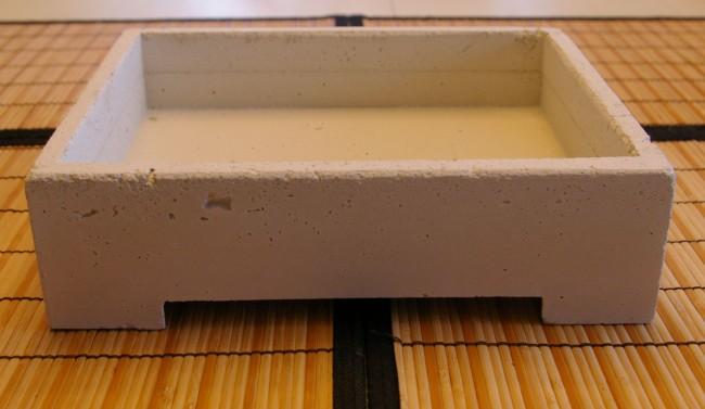 White concrete rectangular pot