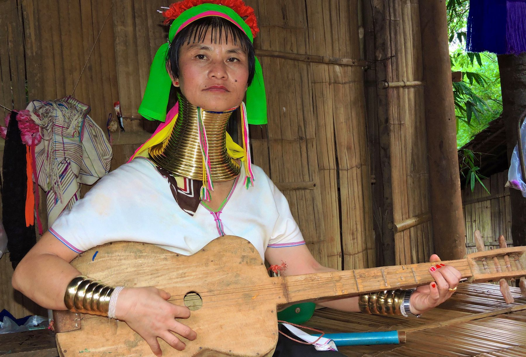 The Real Life Under 25 Neck Rings: Karen Long Neck Tribe Thailand