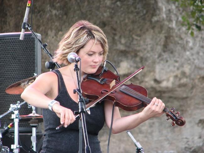 Sara Watkins playing at the Austin City Limits festival, October 2, 2009.