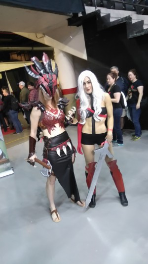Heroic warrior-maidens at Hal-Con