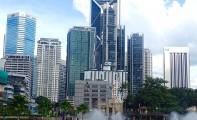 Kuala Lumpur: A Rich and Modern City That Hides Its Blemishes Well