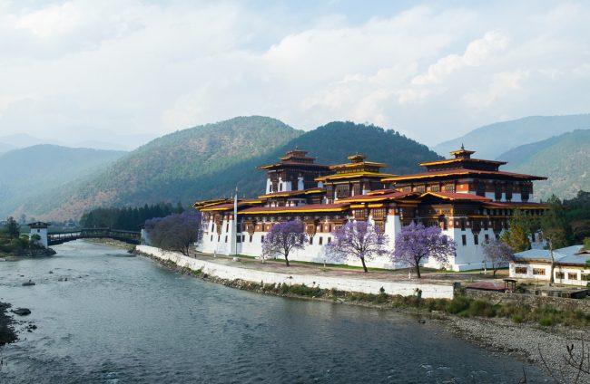 The Punakha Dzong © Tommi Myllymäki