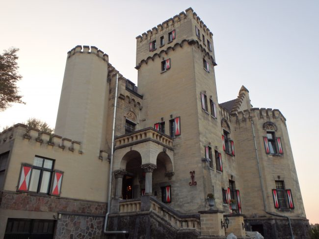 Castle Geulzicht, a baronial residence.