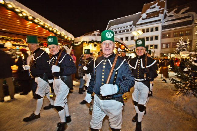 The Freiberg Christmas Miner's Parade is extremely popular with participants wearing traditional miner's costumes. Local hotels for this event sell out several months in advance.
