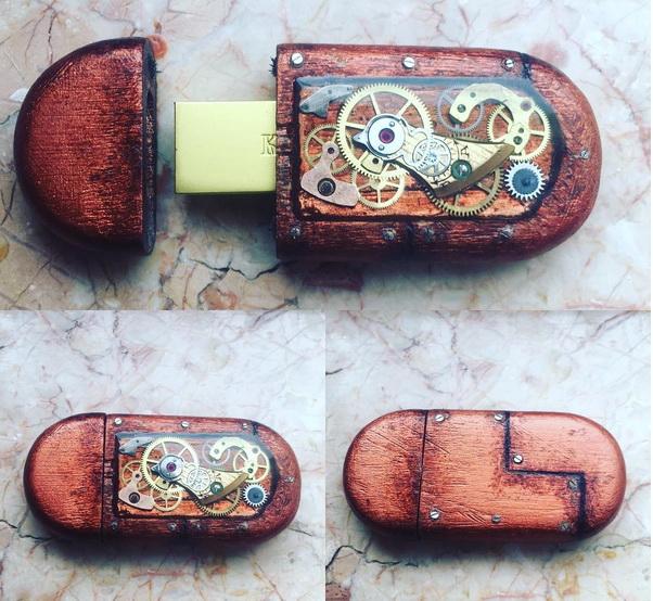 USB Stick - Box - by Emre Yalçın